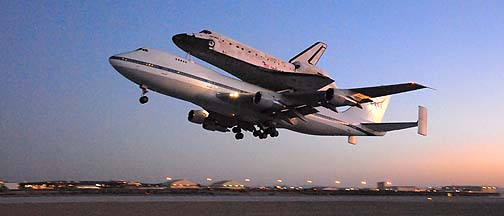 Space Shuttle Discovery departing Edwards AFB, September 20, 2009